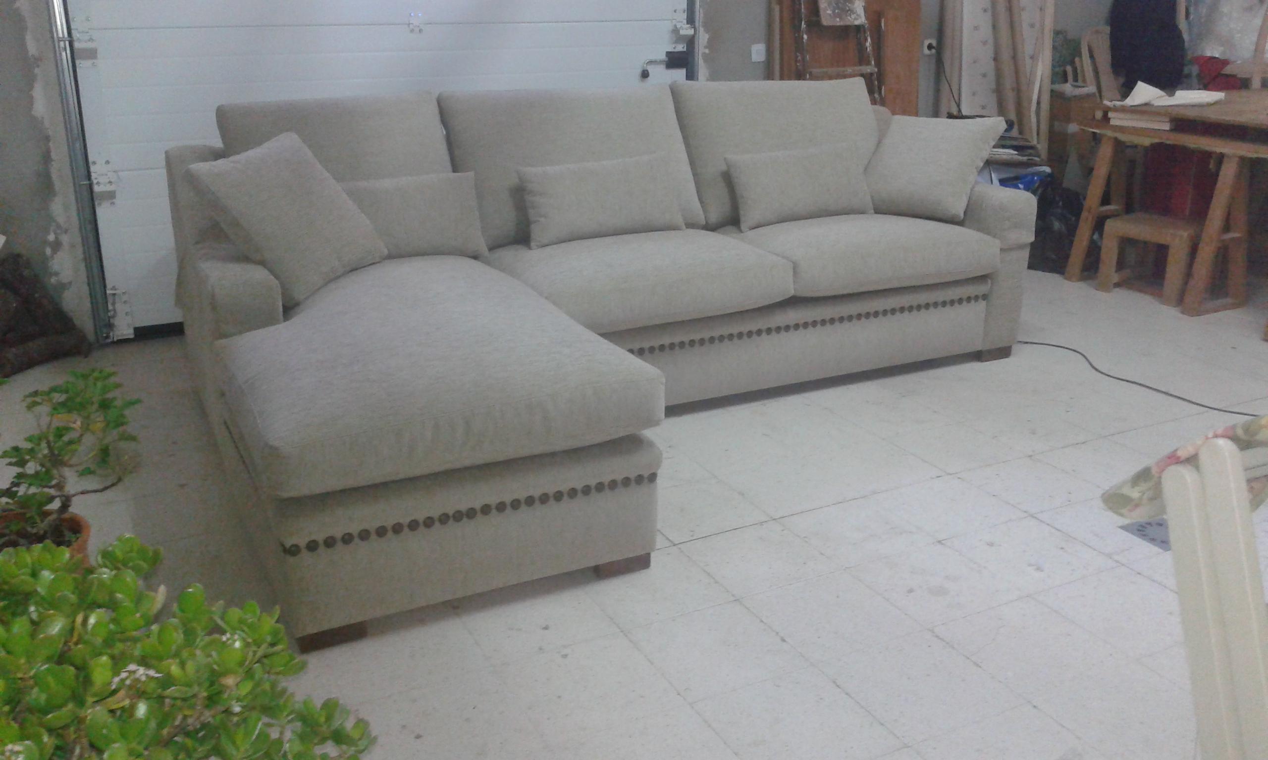 Mirlo con chas tachuelas 2 tapizados artesanos - Artesanos del sofa ...